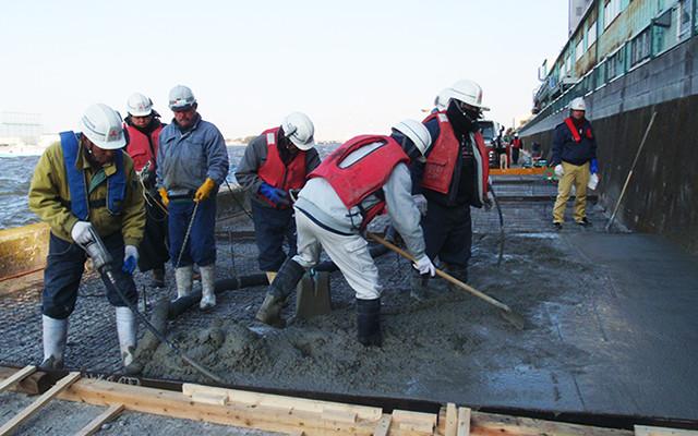 道路工事の施工現場写真